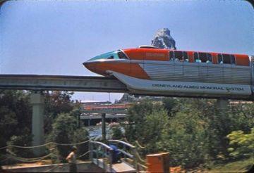 monotrilhos no parque da Disney