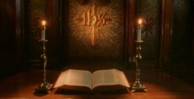 bíblia em altar