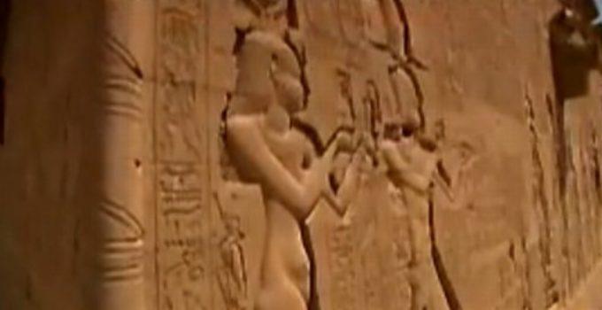 imagens gravadas em pedra no egito